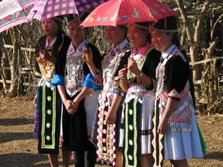 Hmong girls, Phonsavanh